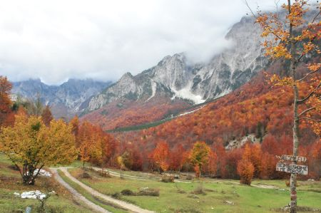 Peaks of the Balkans - Long-distance trail passing Valbona