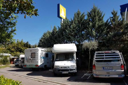 Station 9 - Camper stop at the 3-star Hotel Baron in Tirana
