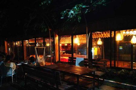 b_450_450_16777215_00_images_camper-route_8-camping-legjenda-bar.jpg
