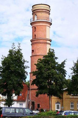 b_450_450_16777215_00_images_deutschland_hamburg_leuchturm-travemuende-1.jpg