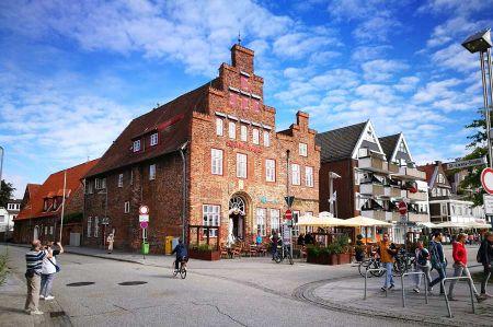 A tour through the old town of Travemünde