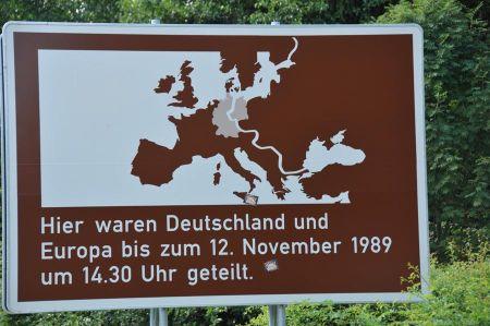 b_450_450_16777215_00_images_deutschland_harz_impressionen_grenzoeffnung_gedenktafel.jpg