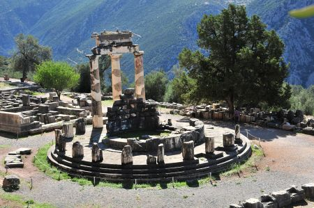 Delphi - Mythology about the oracle of Delphi