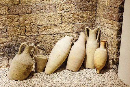 b_450_450_16777215_00_images_griechenland_wein-amphora-museum.jpg