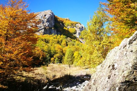 Autumn hike along the Jablanica mountain range
