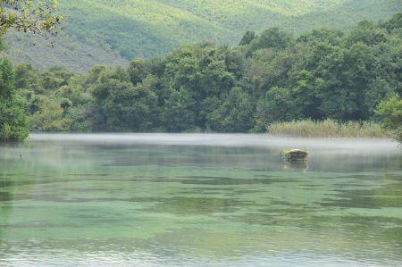 Der Ohridsee und seine blubbernden, unterirdischen Quellen