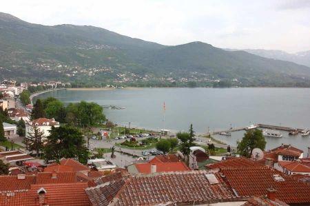 Der Ohridsee auf dem Hochplatteau von Mazedonien