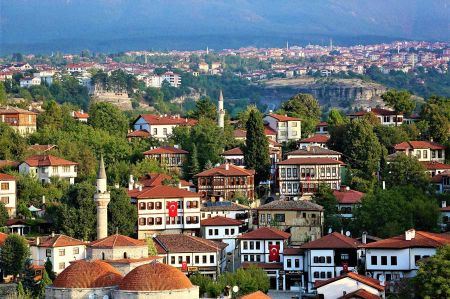 b_450_450_16777215_00_images_turkey_blacksea_region_safranbolu-residential.jpg
