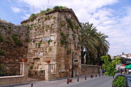 Altstadt Antalya - das Leben hinter den Toren