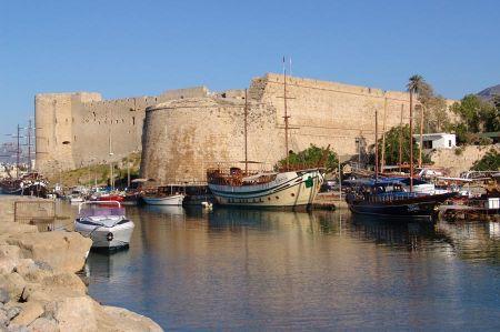 Girne - Burg und Hafen