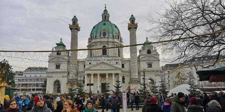 The Karlsplatz Christmas Market - ART ADVENT 2019