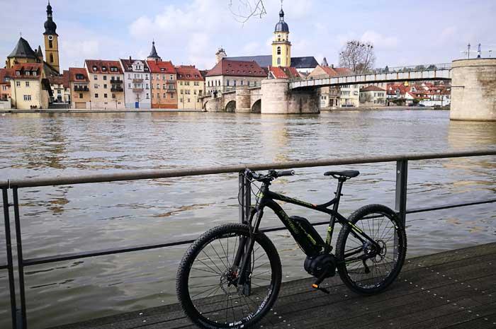 mountainbike dam test