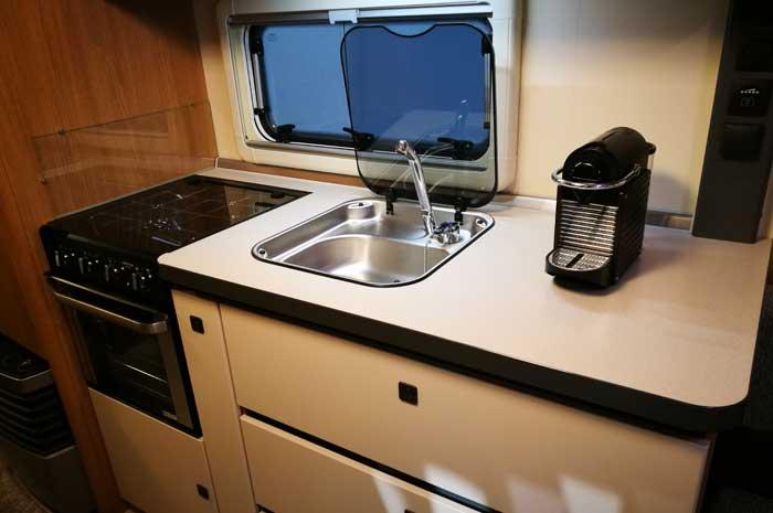 Kühlschrank Für Wohnwagen : Wohnwagen kühlschrank lüfter einbauen qaimaq