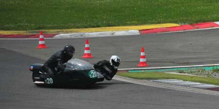 Classic side car teams - driving technique on Grand Prix track