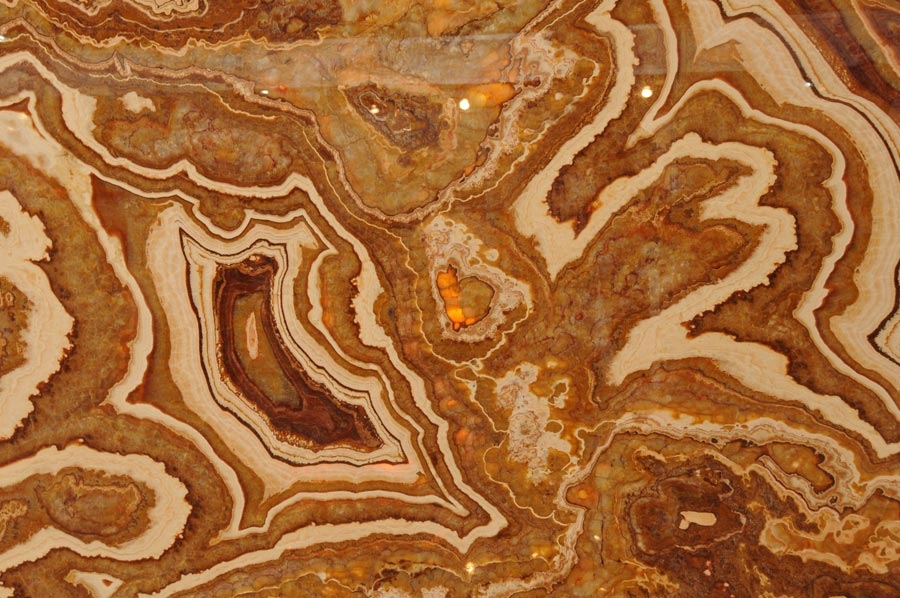 Onyx marmor figuren und vasen aus dem quart r for Onyx marmor tisch