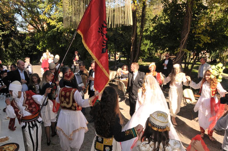 Hochzeit in Albanien – Traditionelle Hochzeitsbräuche
