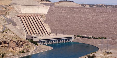 Atatürk - Euphrates dam for electricity and irrigation