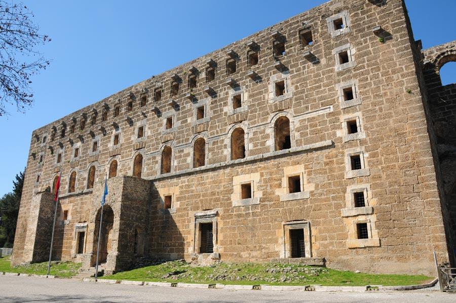 Aspendos Antik Kenti Etkinlikleri : Perge antik kenti