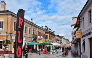 Shkodra - Burghügel und Moderne in der Innenstadt