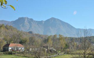 In Wanderschuhen entlang der Albanischen Alpen bei Nec