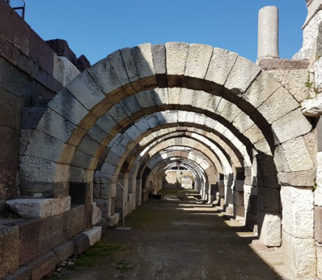 The Agora of Izmir and possible new excavations