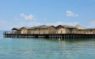 Ohrid Gölü'ndeki Su Müzesi ve yanındaki Dalış Cenneti