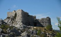 Hike to the medieval fortress of Starigrad