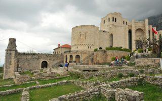 Skanderbeg Museum - Story of Albania in elaborate pictures