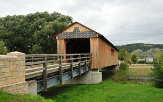 Passing Kunitzer covered bridge to the village of Kunitz