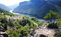 From Vergina along the Aliakmos Reservoir to Meteora