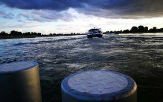 The Rhine ferry Langst-Kaiserswerth - Caravan-Salon