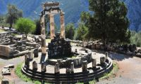 Delphi - Mythology about the Oracle of Delphi