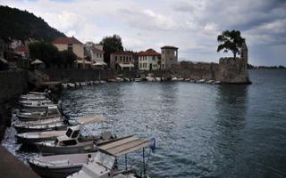 Zur Geschichte von Nafpaktos - am Weg zum Peloponnes