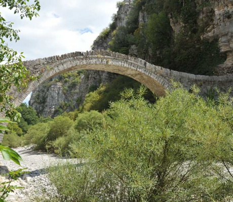 Pindos - Cosy villages and exciting bridge constructions