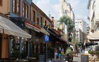 Straßen-Restaurants und Bars im Stadtteil Ladadika