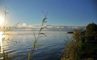 Zurück am Ohridsee - Morgenstimmung am Seeufer