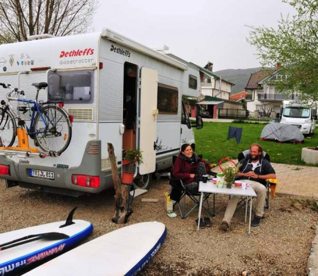 Stand-up paddling on Lake Ohrid - meeting Linda & Jochen
