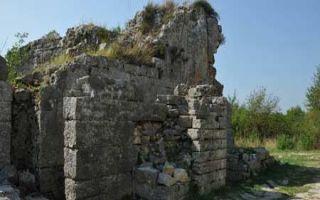 Porta Caesarea - ein Stadttor von Salona
