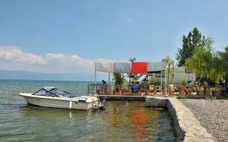 Makedonya Ohrid Gölü Kıyısında Rino Kamp Alanı