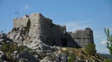 Wanderung zur mittelalterlichen Festung von Starigrad