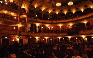 Viyana Volkstheater sahnesinde Fazıl Say