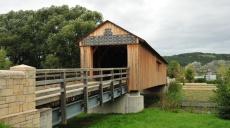 Passing Kunitzer covered bridge to the village center of Kunitz