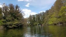 Entspannende Bootstour auf dem Quellsee bei Sveti Naum