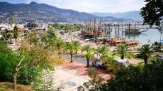 Exponate des Bildhauer Symposium am Hafen von Alanya