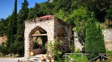 Moni Timiou Prodomu Monastery - a dead end road at Aliakmos