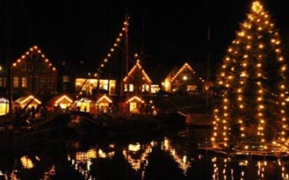 Carolinensiel - a floating Christmas tree in the old harbour