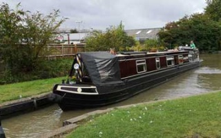 Narrowboat in Stratford upon Avon - Living on the water
