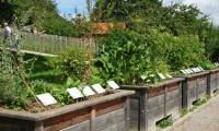 Kloster Andechs – herbal garden and sculptures welcome guests