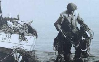 Rewa Fishermen - boatmen from the fishing village