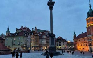 A short visit to Warsaw Castle Square